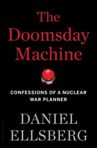 Omslagsbild: The doomsday machine av