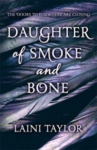 Omslagsbild: Daughter of smoke and bone av
