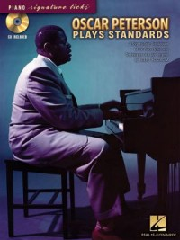Omslagsbild: Oscar Peterson plays standards av