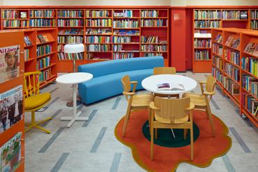 farsta bibliotek öppettider