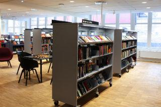 Interiör Husby bibliotek